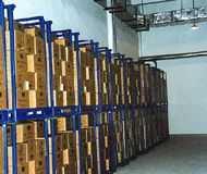 堆垛式货架