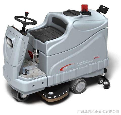 cb2驾驶式洗地机